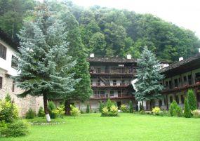 Екскурзия до Троянски манастир, Орешак и Троян