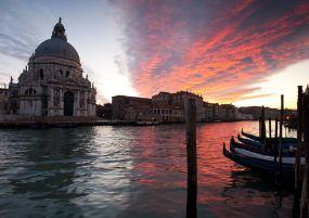 Екскурзия в ИТАЛИЯ - Тоскана и Умбрия - италиански пейзажи - Септемврийски празници!